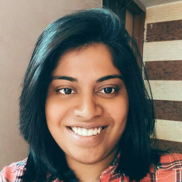 Shriti Pandey head shot